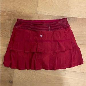 Lululemon red pleated running skirt